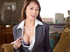 南條れいな スレンダー巨乳熟女の生保レディがOLの枠を超えた枕営業で痴女と化す!