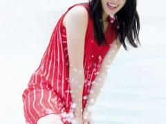 【過激画像】欅坂46「夏のお嬢様」菅井友香、透き通る白肌&スラリ美脚にうっとりwwwww