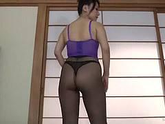 加藤なお アラフォー熟女がパンスト履きながら巨尻を突き出し中出しSEXする主観映像!