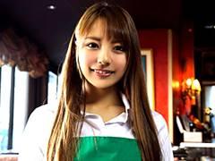 カフェで働く美人女子大生のバイト帰りを狙って3本番!