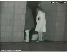 【盗撮+青姦+OL】これはやばい真夜中のビルの隙間でイチャイチャしてるバカップル!チンポコを挿入してしまいます。