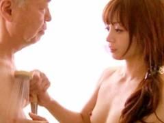 樹花凜 優しいおじいさんと体を交わり堕ちていく人妻
