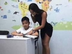 世界のエロ女教師さん、撮影され「子供を誘ってる」と批判されるwwwwww(画像あり)