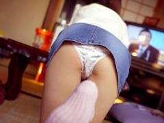 【パンchira画像マニア】無防備な姿でパンチラする女の子や胸チラする素人女子のエロ画像をご用意しました!!