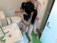 【盗撮】みか18歳!女○高生が発育中の生乳を晒し巨根で大喘ぎwww