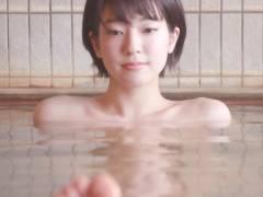 テレ朝 秘湯ロマンで入浴してる美女のぺったんこの体にタオルが張り付いてエロかった件