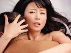 保護観察官の四十路女が元反社の男に惹かれていき密着セックス! 三浦恵理子