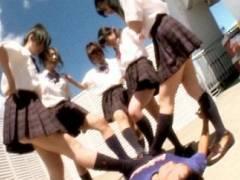 【ロリJK】ドMさん集まれ!女子校生の汗ムレ足裏で足コキ逆レイプ!