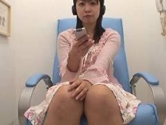子育てのストレスを個室ビデオオナニーで発散する母乳ママの痴態