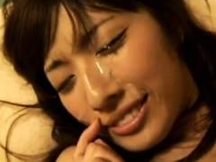 【動画】貧乳だからブラつけないっていうガチ素人美少女と部屋でハメ撮りSEX!