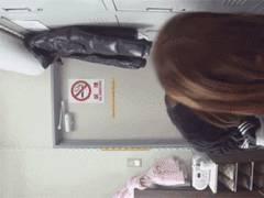 エロNGの個撮モデルさんが更衣室で着替えてる姿、、隠しカメラで盗撮してる悪質な映像を入手!