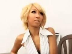 【動画】黒ギャル痴女の泉麻那がM男を騎乗位逆レ●プして中出しするまで降りてくれないw