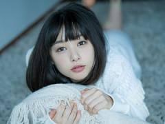 桜井日奈子の美しいウェディングドレス姿。