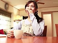「自宅でAV撮影とか興奮しちゃう」某投稿サイトで評判の人妻がAVデビュー 立花優花