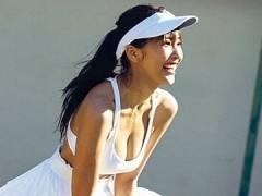佐野ひなこさんのエッチすぎるテニスウエアグラビア。