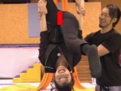 田中瞳アナ(23)がまんぐり返し、マン筋くっきりハプニング!!