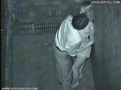 【隠し撮り】ビルの凹んだ所でカップルがえっちィ事してたので赤外線隠し撮り