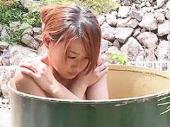 黒木歩 野獣と化した男達の中に女はたった一人!野外でレイプされ全裸で放置される!