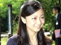 佳子さまの写真集キタ――(゚∀゚)――!!おっぱいとかパンチラとかある?