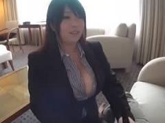 【甘良しずく】仕事は出来ないけれど爆乳ぽっちゃりボディ!プランパーフェチ社長の性欲処理用秘書