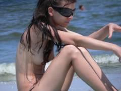 """""""ヌーディストビーチ""""でピンク乳首の女の子が撮影される。やっぱ若いねぇwwww(43枚)"""
