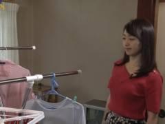 片渕茜アナの前かがみ胸チラおっぱいキャプ!テレビ東京女子アナ