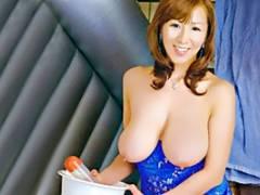 藤下梨花 四十路の熟女ソープ嬢を素人男性宅にデリバリー!凄テクを駆使する爆乳おばさんに昇天!
