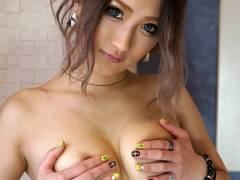 【AIKA】スレンダー巨乳の黒ギャル美女が潮吹き中出しセックス