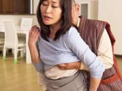 四十路妻を60代で一人暮らしの男に寝取らせるネトラレ趣味の夫 織田玲子