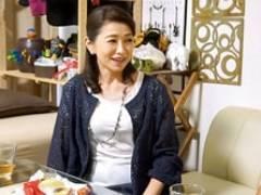 イケメンが六十路のおばちゃんを部屋に連れ込んでSEXに持ち込む 遠田恵未