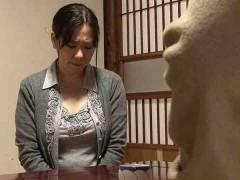 【ヘンリー塚本】お金の為に抱かれる熟女たち!