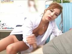 困惑する患者を強引に手コキフェラで治療するギャル痴女医!