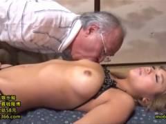 橘咲良 スケベおじいちゃんと巨乳ギャルの中出しセックス!