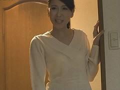 木村はな 美しい四十路の友母に童貞を奪われた息子