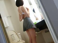 ブラウスや制服脱ぎかけの女子学生のエロ画像wwwww