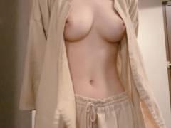 【悲報】ハメ撮りされた細身巨乳の超Sランク風俗嬢、無事流出する(動画あり)