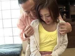 阿部栞菜 会う度に美人だと言われ続けてしつこく口説かれ半年かけて寝盗られた美人妻…