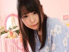【さくらゆら】恥ずかしがり屋のアイドル級美少女が一生懸命手コキ奉仕する姿に萌え!
