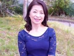 同窓会で数十年ぶりに再会した熟女と一夜限りの情事 遠田恵未 及川里香子 久保今日子