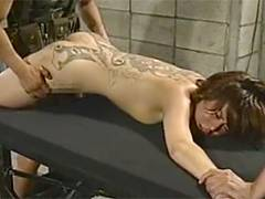 【ヘンリー塚本】背中に和彫タトゥーの入った女を電気拷問で犯す!