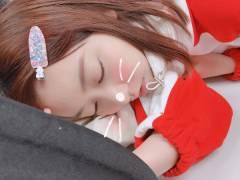【画像】このさくらたんこと宮脇咲良たんの寝顔が天使過ぎるwwwwww