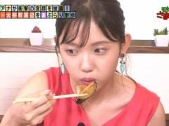 田中瞳アナのエロい擬似フェラチオ食べ顔とノースリーブで綺麗なエロいワキが丸見えキャプ!テレビ東京女子アナ