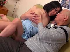 羽生ありさ 旦那に内緒で義父と子作りを繰り返す若くて巨乳の美人妻!