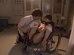 【知花メイサ】夜の学校で男子生徒達に集団イラマチオ凌辱される肉便器女教師