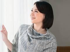 【初撮り熟女】まじめで硬派なアラフォー妻が夫の浮気にキレてAV出演! 吉崎友香