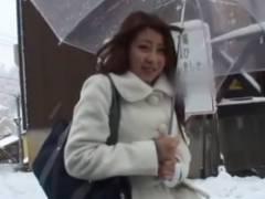 豪雪でヒッチハイクされたJK!車の中で性行為の一部始終www