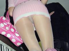 【とう撮影動画】ちょっとした段差でパンチラしちゃうミニスカを履いた素人お姉さん達のセクシー下着でその女性のエロ差が分かっちゃうwww