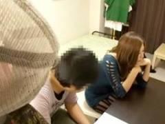 上原亜衣 椎名ゆな 家庭教師のギャルお姉さんが男子生徒を誘惑!最後は中出しw