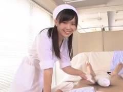 【綾波ゆめ】男性入院患者を清拭してたら欲情して勝手にオナニーを始めてしまう色情ナース