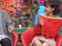 人気モデル岡田紗佳、超ミニスカでテレビ出演し無防備パンチラ披露wwww